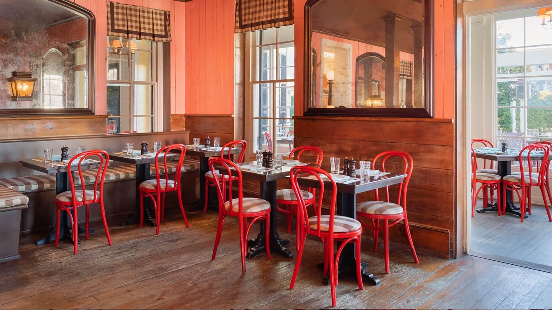 Blue Pig Tavern Cape May Nj Restaurant At Congress Hall