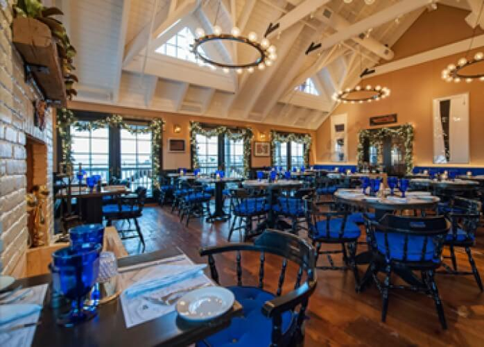 barons cove restaurant decorated for christmas